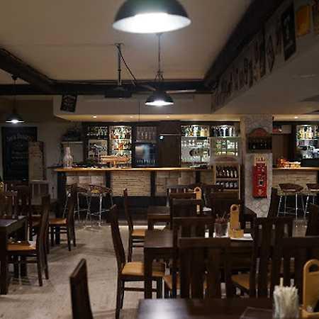 Lozano Pub