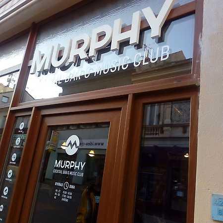 Murphy Coctail Bar & Music Club