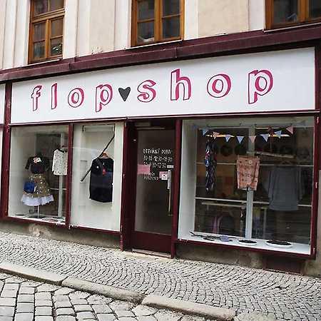 Flop shop