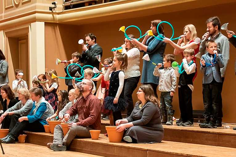 Czech Philharmonic the Serial: Princesses, Go Get the Dragon!