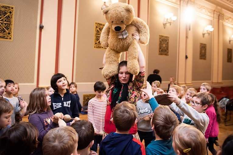 Czech Philharmonic the Serial: Hop into a Fairy Tale