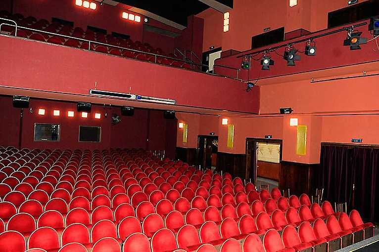 Divadlo Palace: Představení o ničem