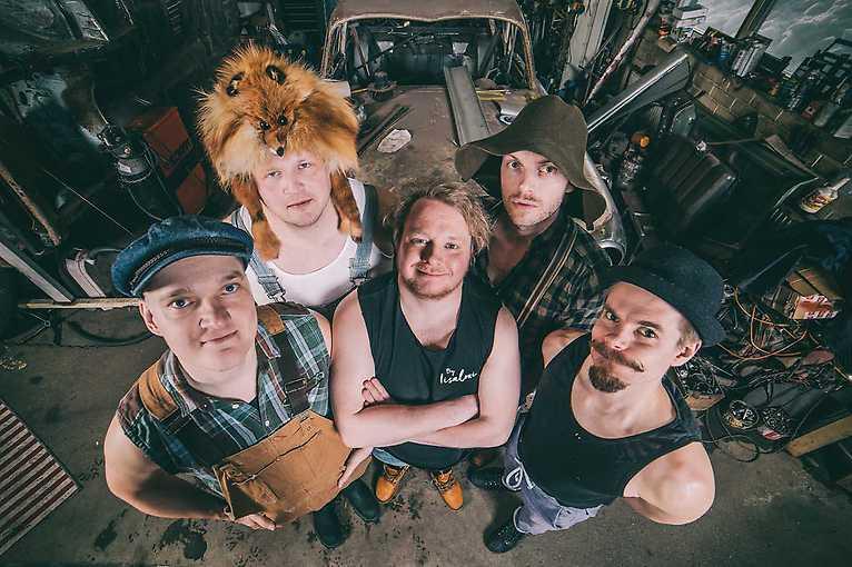 Lion Tamer Tour: Steve'N'Seagulls