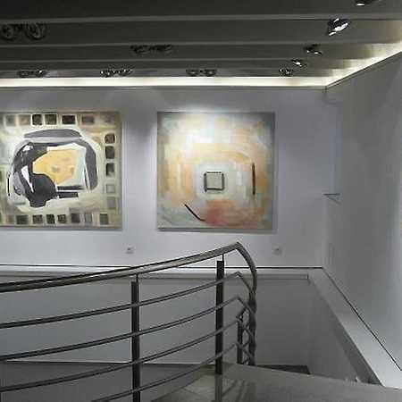 Gallery D9
