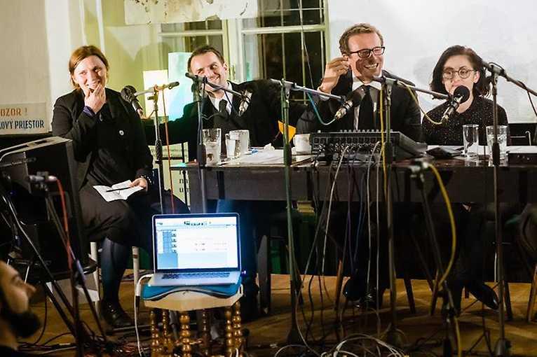 Rádio život: Rozlúčka so slobodou
