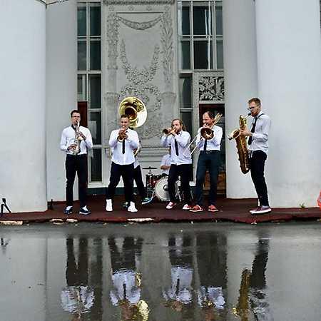 Dizzy Boyz Brass Band