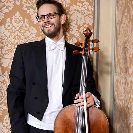 The New Wave Of True Beauty: Global Art Philharmonic Orchestra & Ivan Vokáč