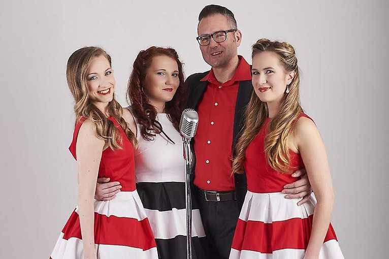 Charlie Slavík & The Rythm Girls