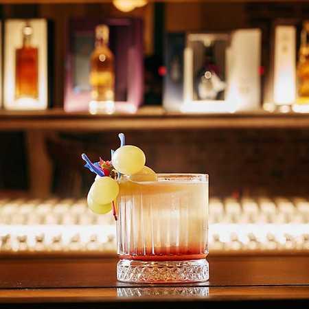 W Restaurant & Whiskey Bar