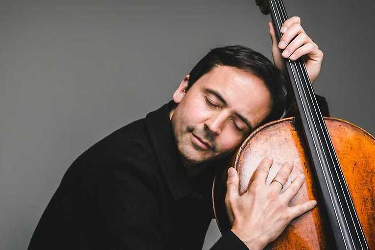 Jean-Guihen Queyras Plays Dvořák