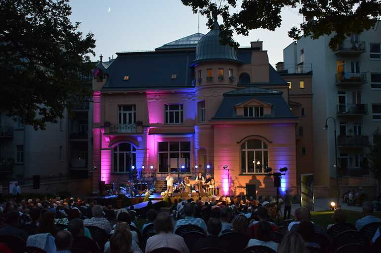 Hradozámecká noc v Jurkovičově vile 2021