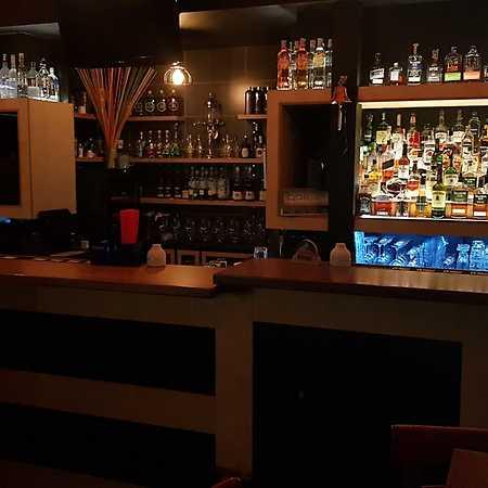 Viki Music Bar