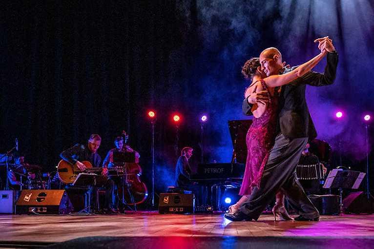Tango party na lodi Tajemství