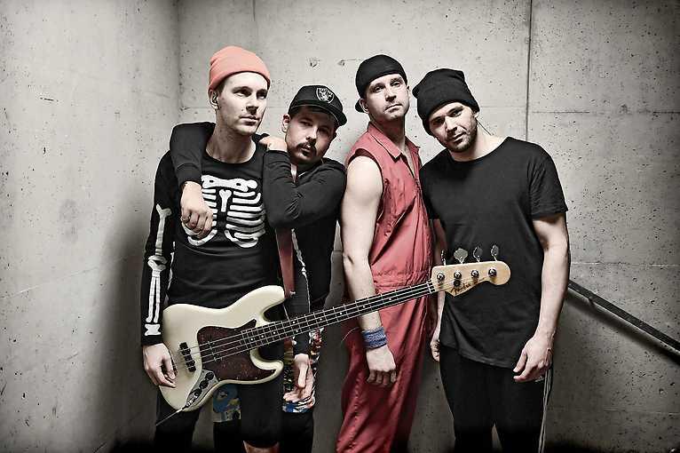 Red Hot Chilli Peppers Revival + DJ Schaffff