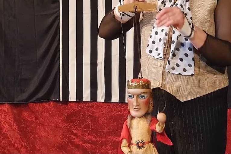 Bábkový ateliér s Alenkou II.