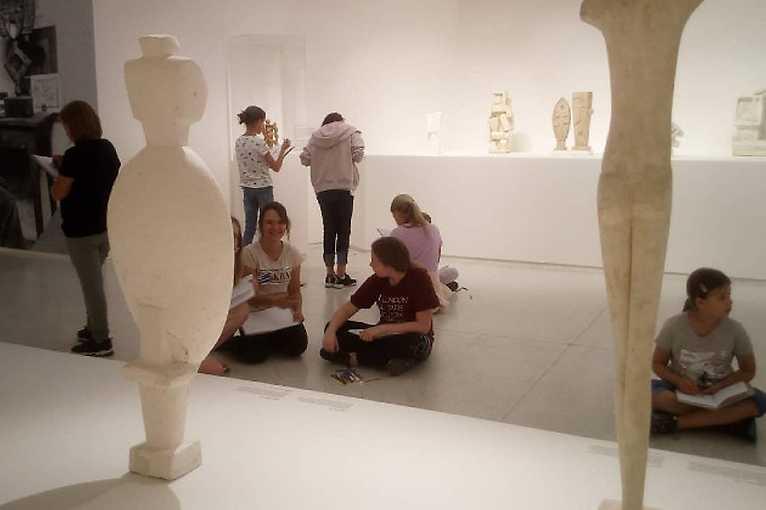 Umění v pohybu III: výtvarná dílna pro děti a mládež