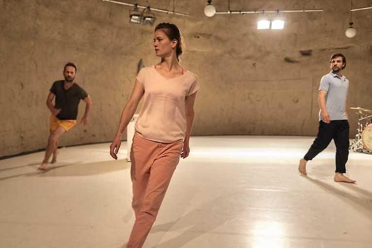 Tanec Praha: Adrena Axis