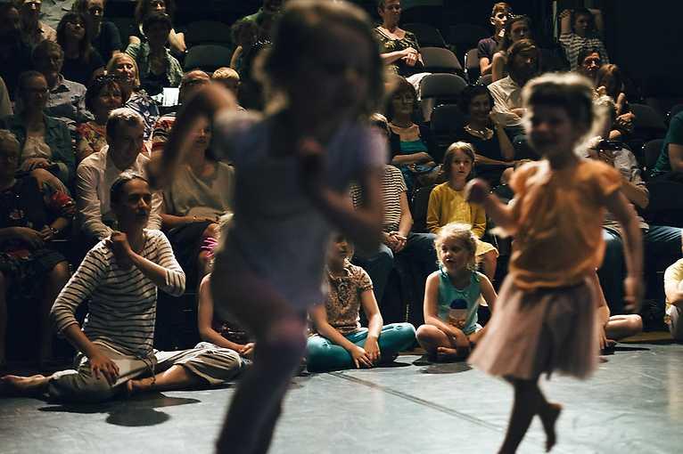Hýbánky – Ateliér – dramaťáček pro nejmenší děti od 3 do 6 let