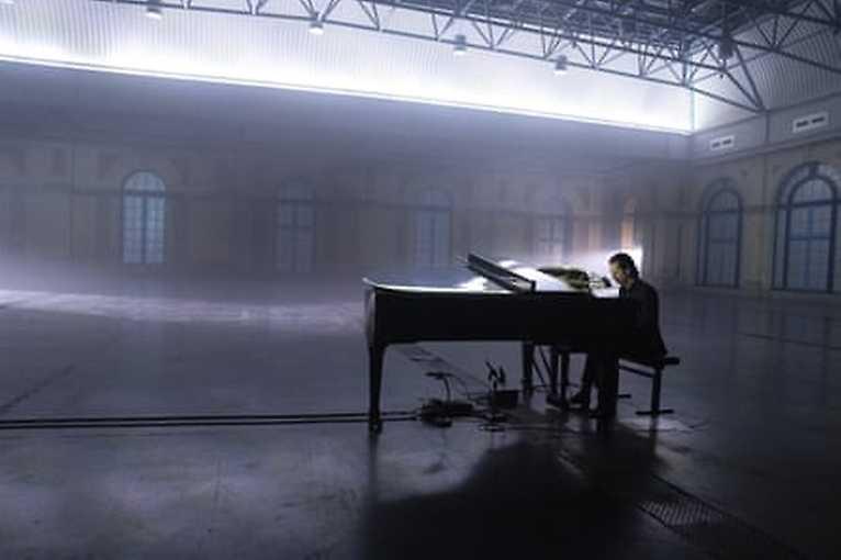 Idiot Prayer – Nick Cave Alone at Alexandra Palace s úvodem Pavla Klusáka