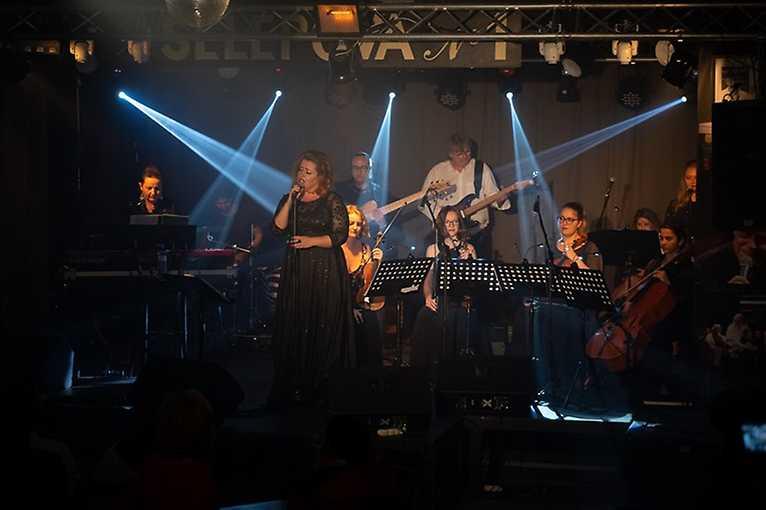 Adele Kristy Live Band
