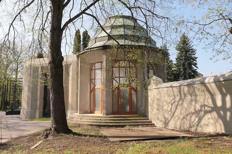 Kubistický Ďáblický hřbitov