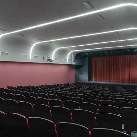 Divadlo Scéna