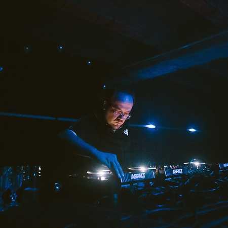 DJ Peal a.k.a. Emma Binder