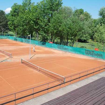 Tenisové kurty BLTC v Lužánkách