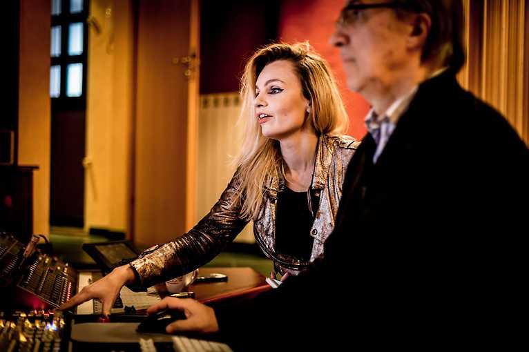 Songwriting: Karo Glazer