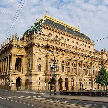 National Theatre (historical building)