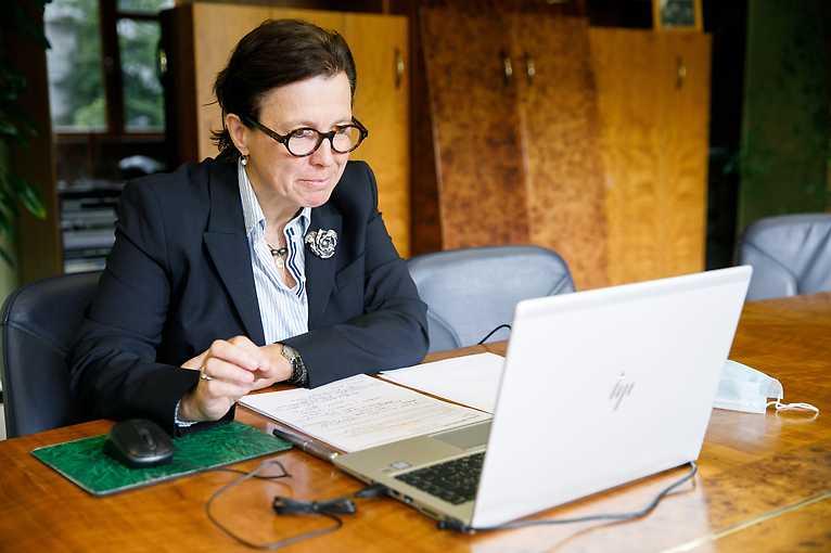 Ženy v slovenskej diplomacii