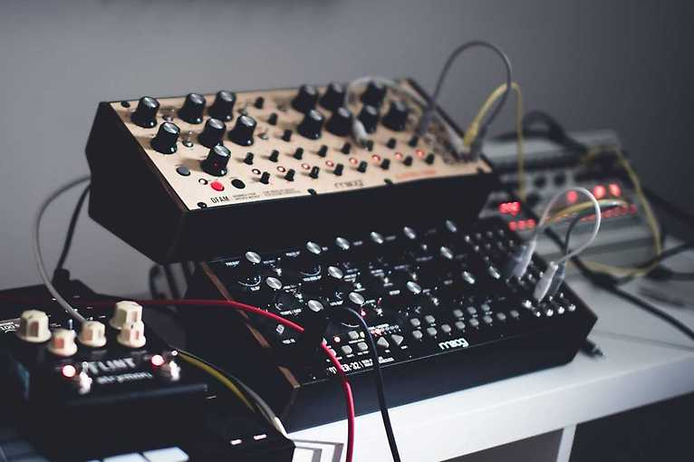 Music, Makers and Machines: A brief history of electronic music