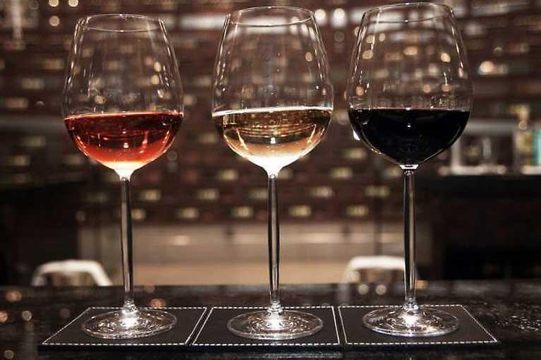Neviditelná výstava: Ochutnávka vína