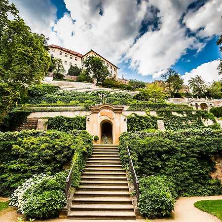 Zahrady pod Pražským hradem