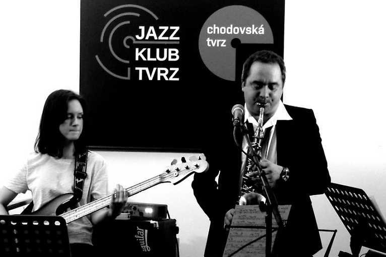 Jazz Fest Tvrz: Blue Hats