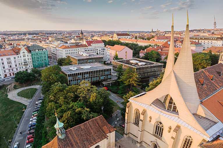 Emauzy: Oáza v centru Prahy