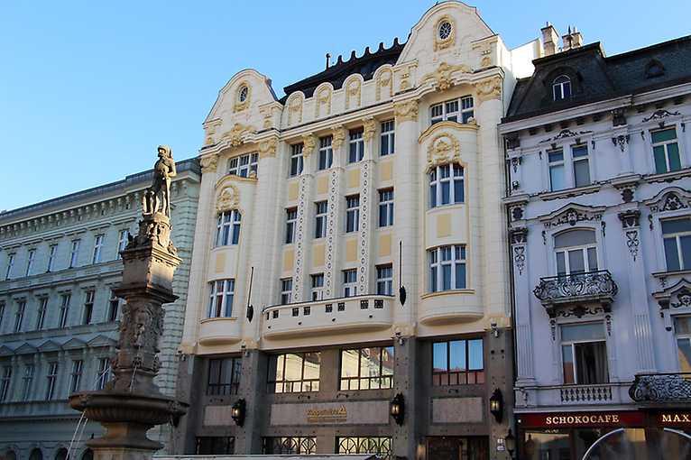 Rande s mestom: Putovanie bankami z Prešporka do Bratislavy