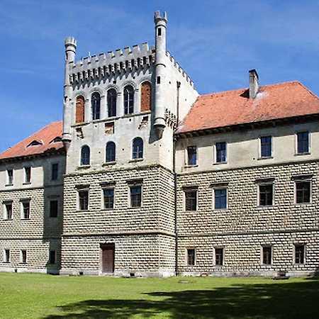 Pałac Mirów
