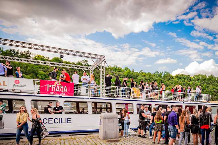 Duplex Boat: loď Cecílie