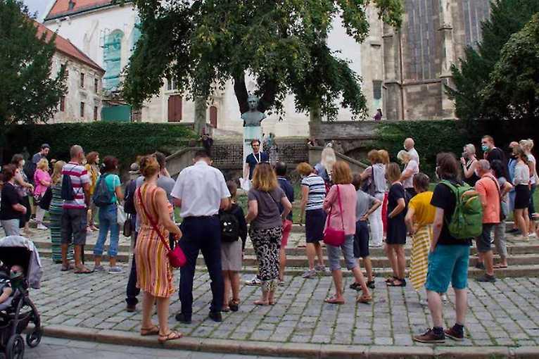 Rande smestom: Heraldická prechádzka bratislavským korzom