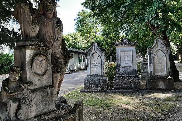 Rande smestom: Odkazy z cintorína pri Kozej bráne