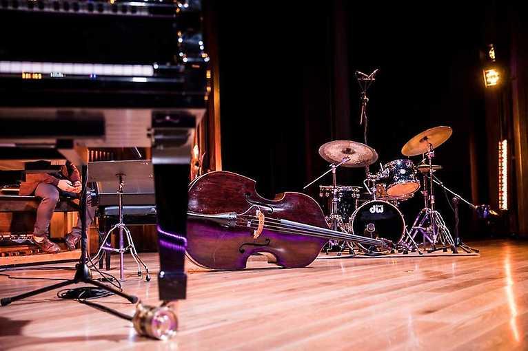 Jazz klub Tvrz: At Eas trio