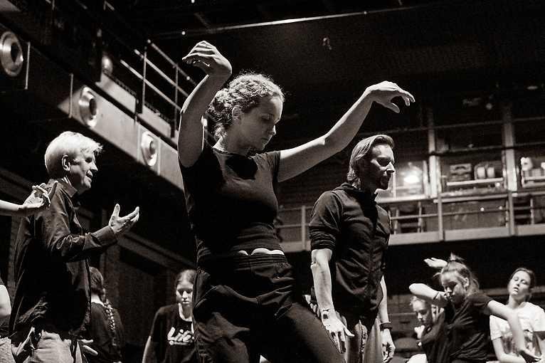 Pohybový workshop pod vedením Václava Kuneše s živou hudbou Václava Havelky