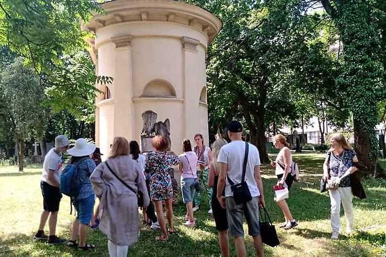 Rande s mestom: Ondrejský cintorín