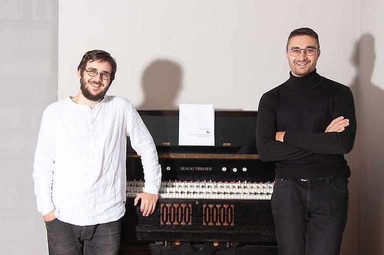 Mikyska & Hába: Šestinotónové harmonium