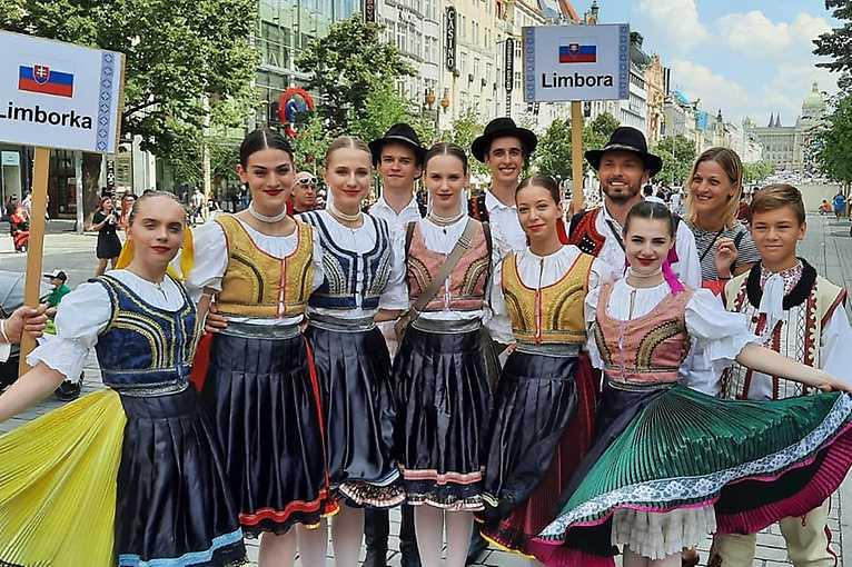 Folklór bez hranic